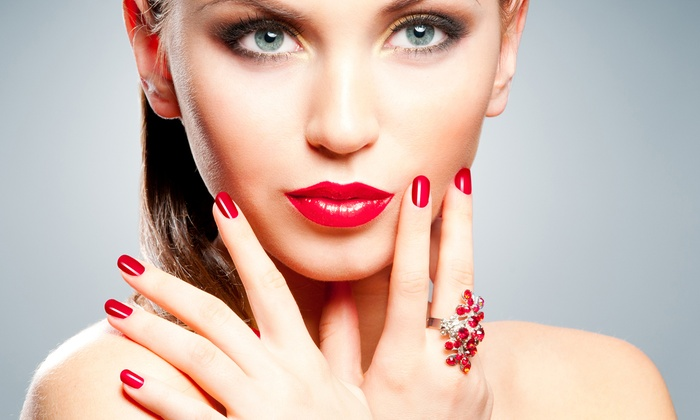 Evolution Beauty Salon - Coral Way: Basic Manicure with Option for Facial or Pedicure at Evolution Beauty Salon (Up to 53% Off)