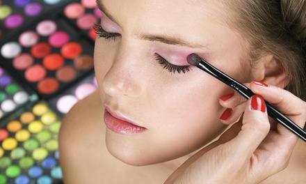 $29 for an Online Professional Makeup Artist Course from Smart Majority ($807.57 Value)