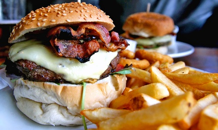 Antipasto, hamburger e bibita