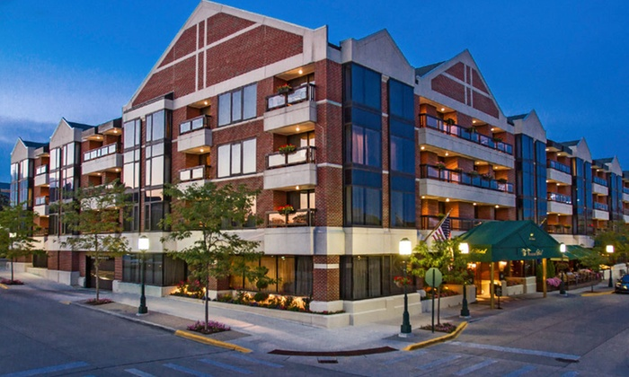Four Diamond Hotel With Fine Dining Near Detroit