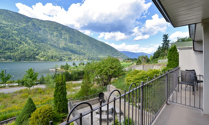 Prestige Inn Nelson - Nelson, BC: 2-Night Stay for Two with Breakfast Credit and C$50 Dining Credit at Prestige Inn Nelson in Nelson, British Columbia