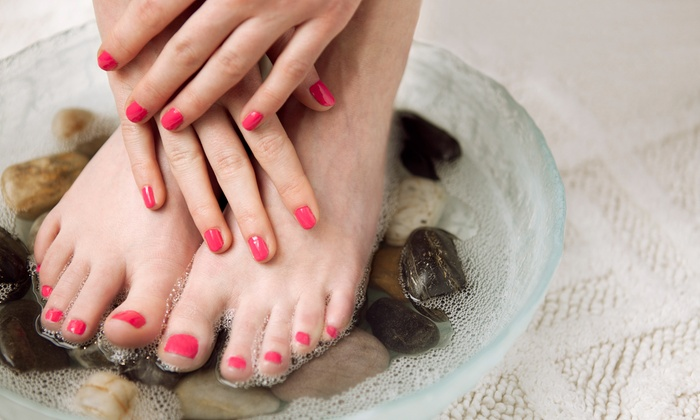 Le Beaute Salon and Spa - Palatine: $39 for a Spa or Sea-Salt Mani-Pedi at Le Beaute Salon and Spa ($80 Value)