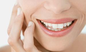 Limpieza bucal con ultrasonidos por 19 € y con 1 o 2 sesiones de blanqueamiento dental desde 59 €