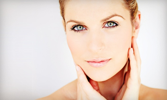 Ideal Glow - Ideal Glow: Two, Three, or Four Microdermabrasion Treatments at Ideal Glow (59% Off)