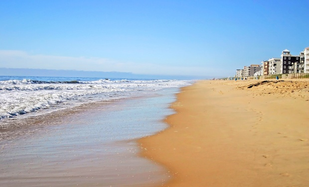 Fenwick Inn - Ocean City, MD: Stay with Daily Breakfast for Two at Fenwick Inn in Ocean City, MD. Dates into October.