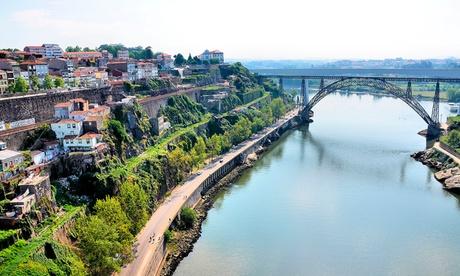 Oporto: 2 o 3 noches para 2 con desayuno, crucero, visitas y cata de vinos en Cliphotel