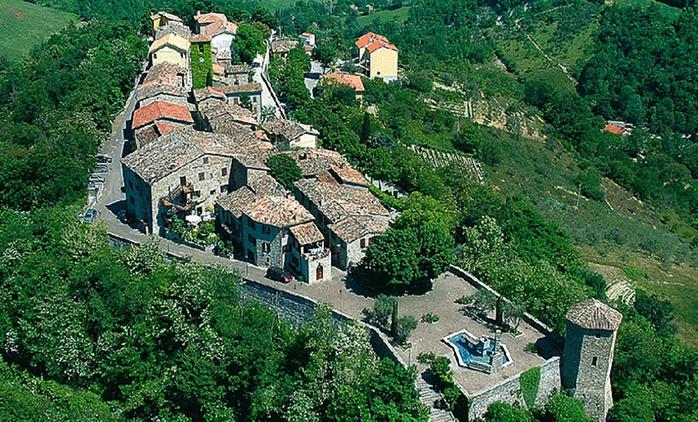Frontino, Rocca dei Malatesta: 2 notti con colazione o 2 notti con colazione e una cena per 2 persone