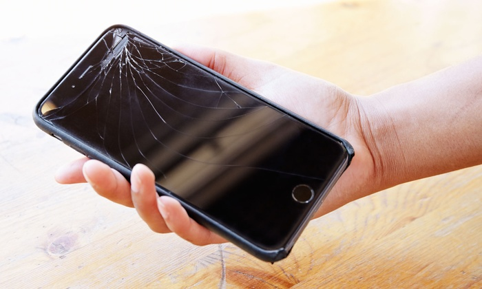 Screen Repair for iPhone 4-7 Plus, iPad 2, 3, 4 or Mini, or iPhone Battery Repair at Fixmob.co.uk (Up to 73% Off)