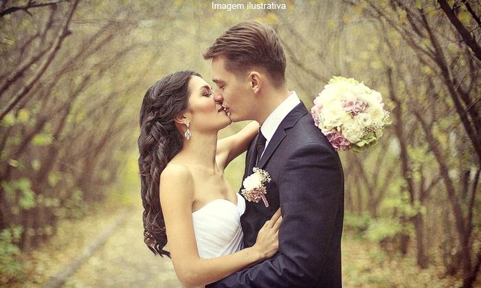Marcita Noivas - Aracaju: Marcita Noivas – Coroa do Meio: dia da noiva, vestido ou ambos (opção para noivo, pajem e daminha) a partir de R$ 179,90