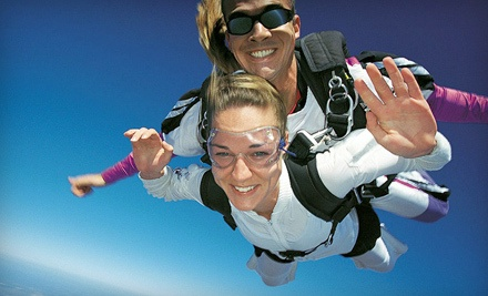 516-SKYDIVE - 516-SKYDIVE in East Moriches