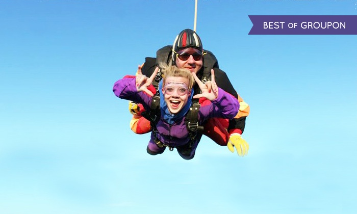 Skydive Sacramento - Lincoln: Ground School and Tandem Jump for One or Two from 9,000 or 13,000 Feet from Skydive Sacramento (50% Off)