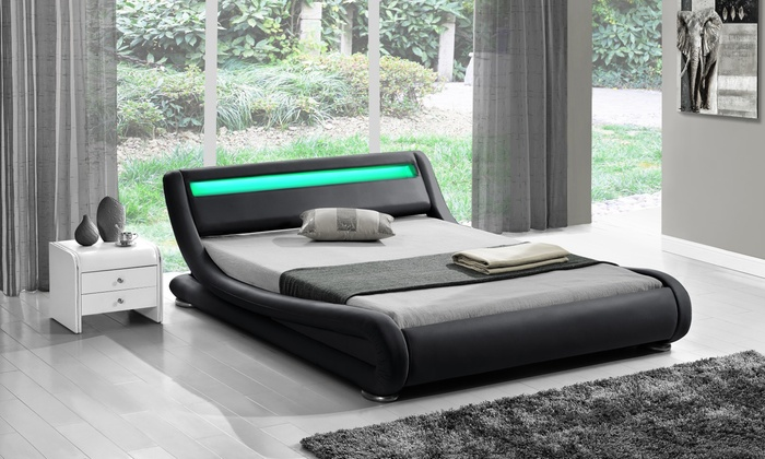 Leatherlook design bedden met LED | Groupon Goods