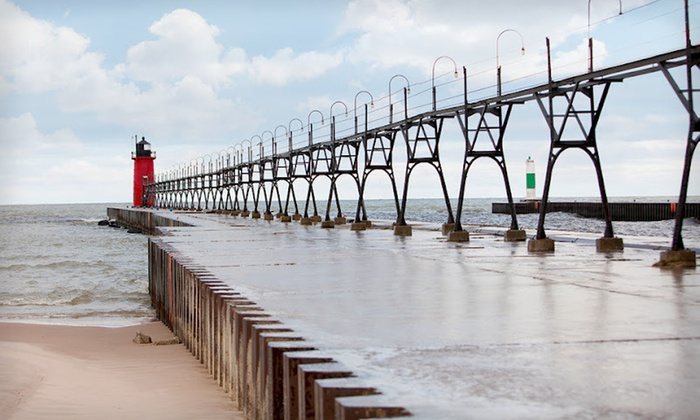 Harbor Club South Haven - South Haven: Two-Night Cottage Stay for Up to 14 People at Harbor Club South Haven in South Haven, MI