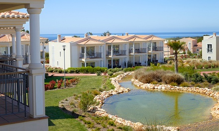 Água Hotels Vale da Lapa 5* — Carvoeiro: 1-5 noites para dois em suite Deluxe com meia pensão e acesso ao spa desde 99€