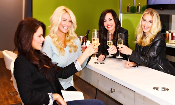Pure The Blowout Bar - Encinitas: $22 for Blowout and Deep-Conditioning Treatment atPure The Blowout Bar($45 Value)