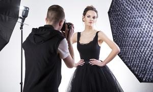 DIGILAB di Dario Barbuto: Shooting fotografico da 90 minuti in studio per una, 2 o 3 persone da Digilab di Dario Barbuto (sconto fino a 89%)