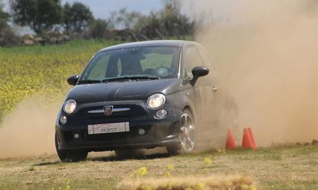 Curso de conducción de rally en circuito de tierra para una o dos personas desde 89 € o de rally Profesional por 109 €