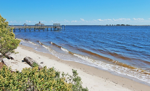 Wingate by Wyndham Southport - Southport, NC: Stay at Wingate by Wyndham Southport in Southport, NC. Dates into January.
