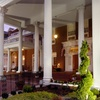 Stately Virginia Inn with Southern-Style Dining