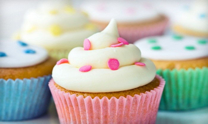 L'Oven Cupcakes - Multiple Locations: Gourmet Cupcakes at L'Oven Cupcakes (Up to 56% Off)