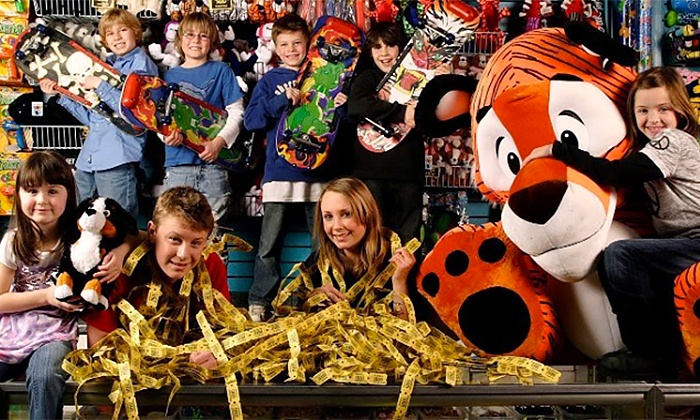 Nickel City - Northbrook: $18 for Nickel City Family Entertainment Center Visit for Four with Pizza, Pop, and Gameplay ($31.99 Value)