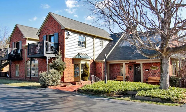 Hillwinds Inn - Blowing Rock, NC: Stay at Hillwinds Inn in Blowing Rock, NC, with Dates into October