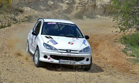 Curso de pilotaje de un coche de rally o conducción de un coche de rally por el circuito del Jarama por 99 € Oferta en Groupon
