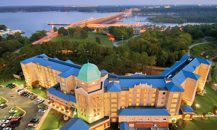 Marriott Shoals Hotel & Spa - Florence, AL: Stay with $15 Daily Dining Credit at Marriott Shoals Hotel & Spa in Florence, AL