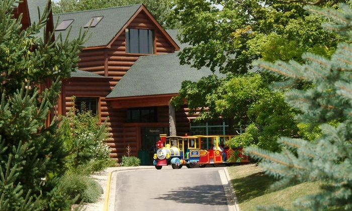 Grizzly Jack's Grand Bear Resort - North Utica: Two-Night Stay Valid for Check In Sun–Wed for Up to Four at Grizzly Jack's Grand Bear Resort & Indoor Water Park in North Utica, IL