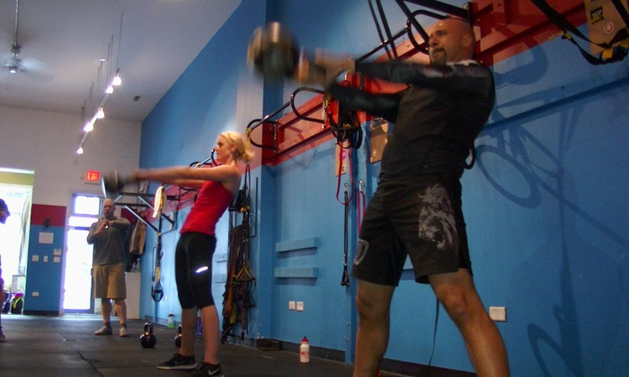 Hustle Fitness Corp - Lincoln Park: Two Weeks of Fitness and Conditioning Classes at Hustle Fitness (65% Off)