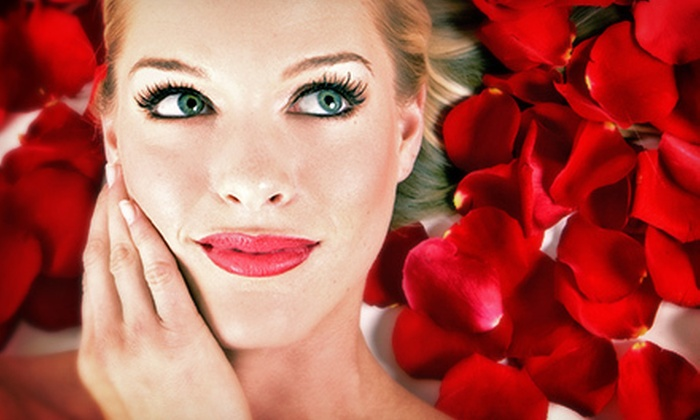 Aria 366 - Commack: $69 for a Valentine's Spa Package with Facial, Massage, Paraffin Foot Treatment, and Snacks at Aria 366 ($150 Value)