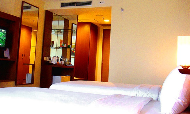 Bintan: 4* Aston Hotel+Ferry+Tax 1