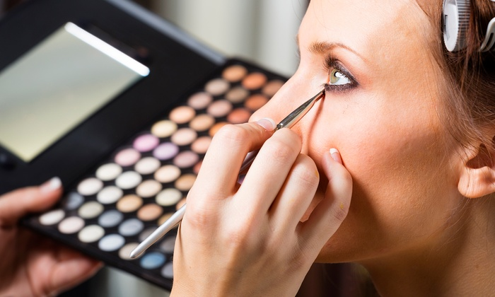 Online Makeup Course The Academy Of Film Fashion And Design Groupon