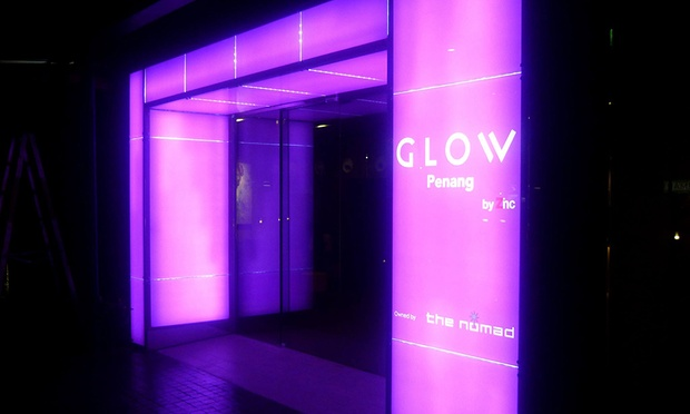 Penang: 4* GLOW Hotel + Flights 5