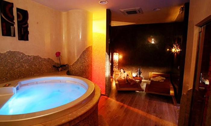 Estetica Town Spa - Roma: Spa di coppia, bellezza viso, scrub e massaggio corpo da 29 € invece di 120