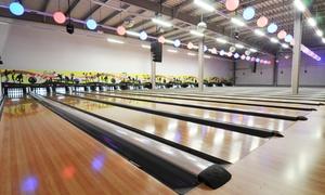 Strike Bowlingcenter Wolfsburg: 2 Std. Bowling inkl. Leihschuhen und Pizza für Vier oder Sechs im Strike Bowlingcenter Wolfsburg (bis zu 63% sparen*)