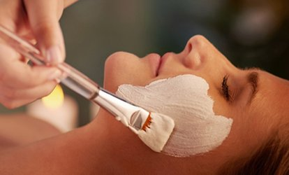 image for 60-Minute Decléor Ultimate Vitamin Glow Facial at RJ's (60% Off)