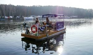 Marina Base Bootsverleih: 9 Std. Floß-Miete für bis zu 8 Personen inkl. Equipment und Versicherung bei Marina Base Bootsverleih(42% sparen*)