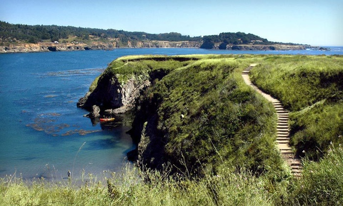 Hill House Inn - Mendocino, CA: One- or Two-Night Stay with a Bottle of Wine at Hill House Inn in Mendocino, CA