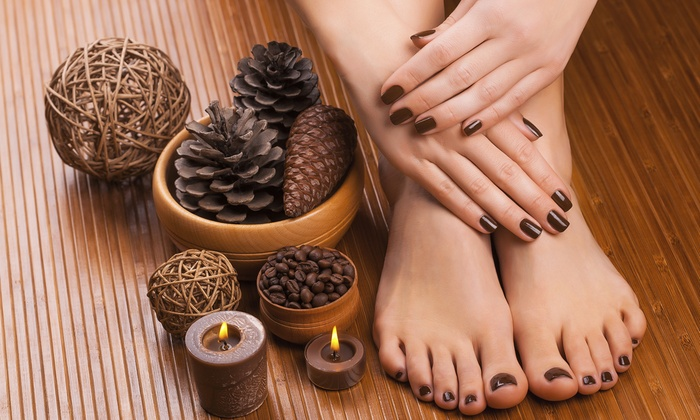 Paradise Nail Lounge by Renia - Waldorf: $39 for a Waterless Peppermint or Pumpkin Mani-Pedi at Paradise Nail Lounge by Renia ($80 Value)