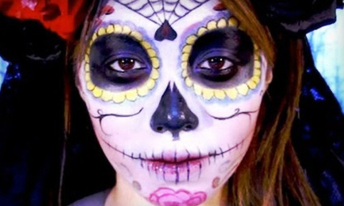 Spanglish Arte - Midtown: Day of the Dead–Makeup Class or Sugar-Skull-Making Class at Spanglish Arte (63% Off)