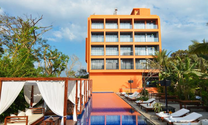 Goa 1n 2d Stay For 2 In A Party Room With Breakfast Wi Fi And Access To Swimming Pool Online