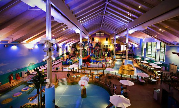 CoCo Key Water Resort - Waterbury, CT: Stay with Water-Park Passes and Dining Credit at CoCo Key Water Resort in Waterbury, CT. Dates into August.
