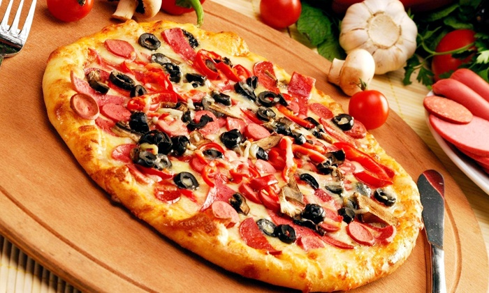Big Pete's Pizzeria - Downtown Jacksonville: Meal for Two or Four with Pizza, House Salads, and Sodas at Big Pete's Pizzeria (51% Off)