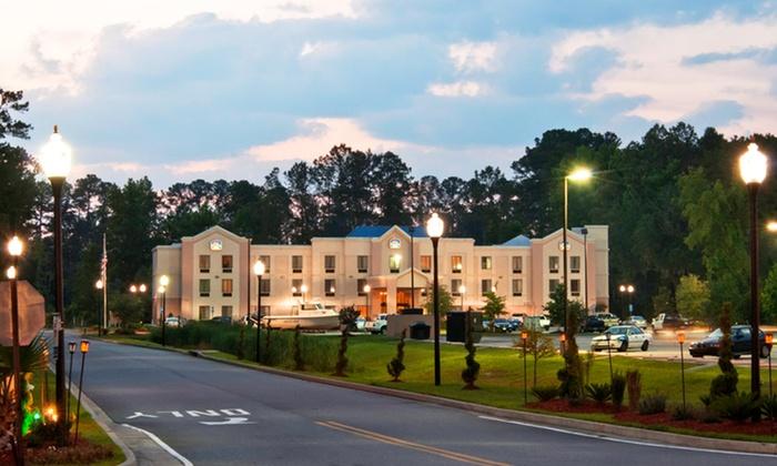 null - Savannah / Hilton Head: Stay at Best Western Plus Richmond Hill Inn near Savannah, GA