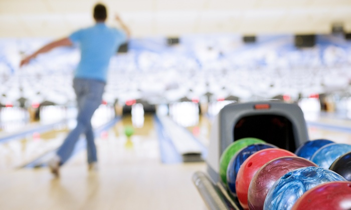 Galaxie Bowling - Gatineau: One or Two Hours of Bowling for Up to Six with Shoe Rentals at Galaxie Bowling (Up to 52% Off)