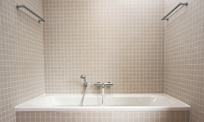 Budget Right Handyman - Oak Park: $94 for Tub or Shower Caulking from Budget Right Handyman ($188 Value)