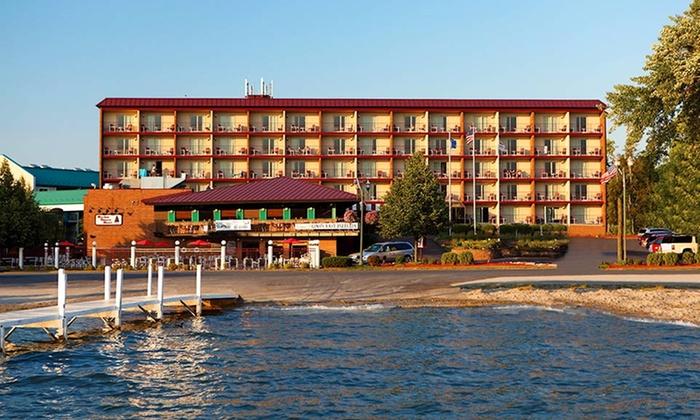 Harbor Shores on Lake Geneva - Lake Geneva, WI: 1- or 3-Night Stay at Harbor Shores on Lake Geneva in Lake Geneva, WI