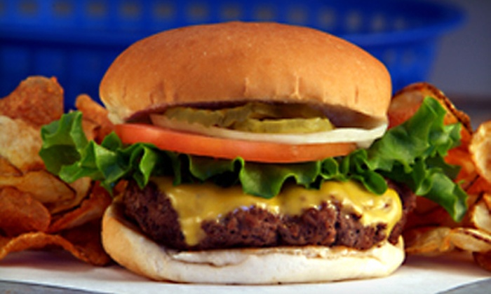 Tommy's Hamburger Grill - West Beyer: $12 for $20 Worth of Burgers, Sandwiches, and Casual Eats at Tommy's Hamburger Grill