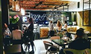 Krakowska Wolnica Café & Drink Bar: Bon wartościowy na całe menu: 18,99 zł za groupon wart 30 zł i więcej opcji w Krakowskiej Wolnicy Café & Drink Bar